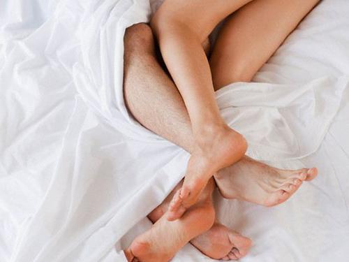 nguyên nhân viêm lộ tuyến do quan hệ tình dục không an toàn