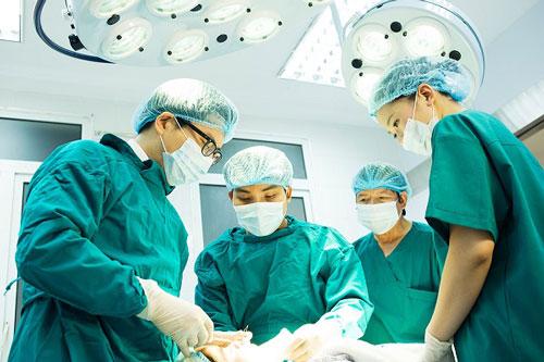 điều trị gai sinh dục bằng ngoại khoa