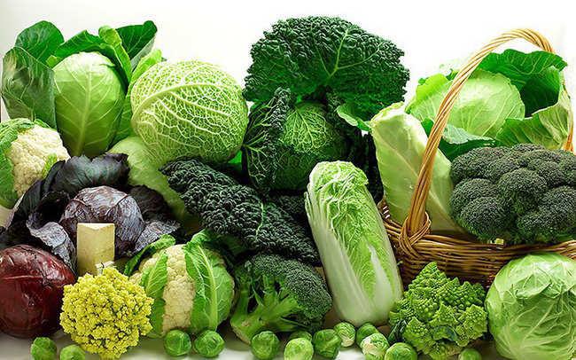 bị hôi nách nên ăn rau xanh