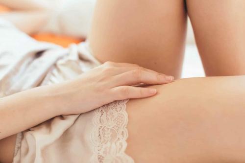 Đau rát âm đạo: Nguyên nhân và cách xử lý