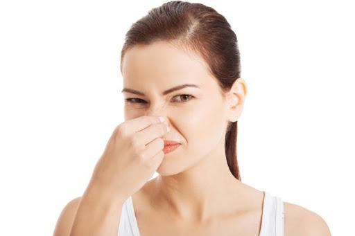 Khí hư ra nhiều có mùi hôi là dấu hiệu bệnh gì? Điều trị như thế nào?